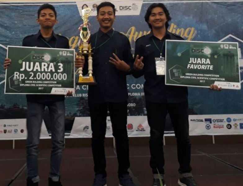 congratulations Juara 3 : MOH. ZAINAL BAHRUDIN, MUHAMMAD ROSIM, MOCHAMAD ROMI HANAFI. Juara 3 Green Building Competition Universitas Diponegoro